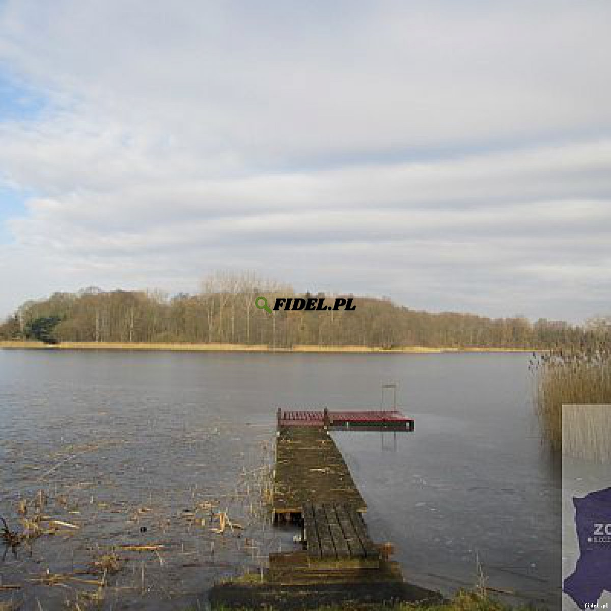 Działka nad jeziorem w Parlinie